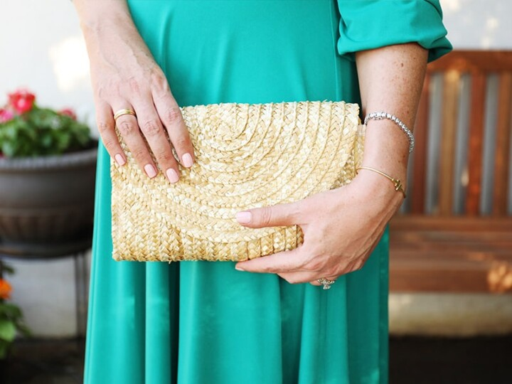 A Simple Straw Summer Clutch for Under $20