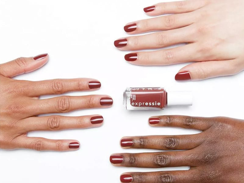 expressie Quick-Dry Nail Polish on three different skin tones